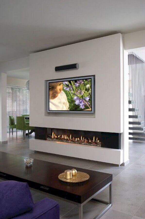 decoração moderna para sala com lareira grande a gás Foto Pinterest