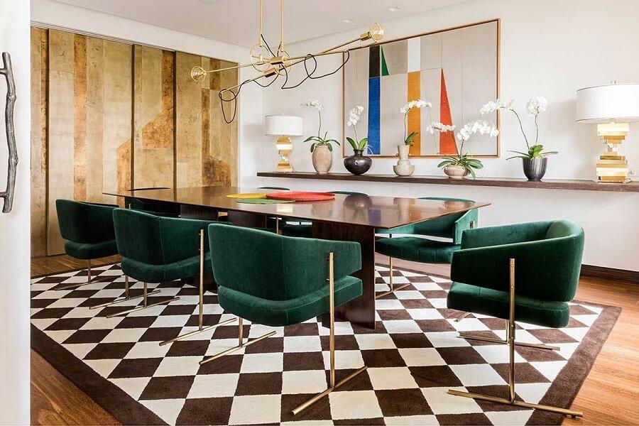 decoração moderna para sala de jantar sofisticada com cadeira estofada verde escuro Foto Casa de Valentina