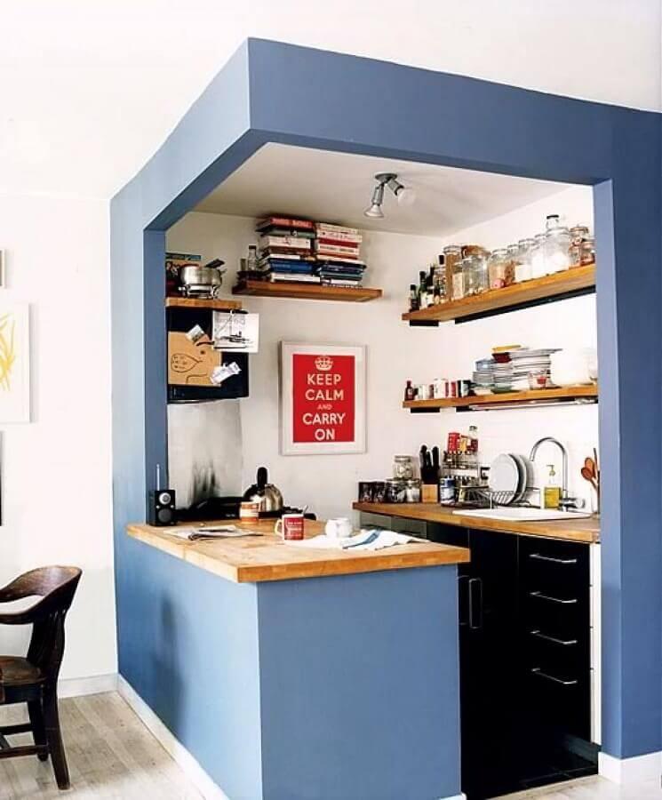 Decoração simples para cozinha estilo americana pequena com prateleiras de madeira Foto Pinterest