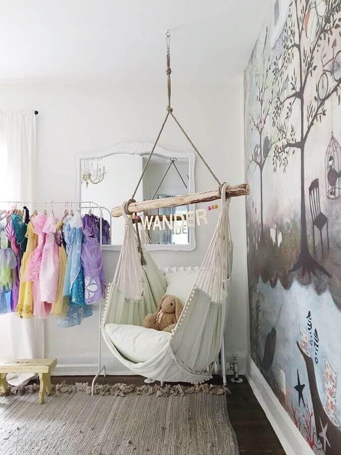 Decoração simples para quarto infantil com cadeira de balanço suspensa Foto Pinterest