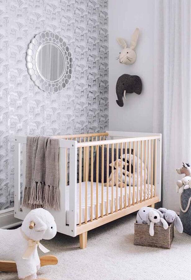 dicas de decoração para quarto de bebê com papel de parede cinza Foto Home Fashion Trend