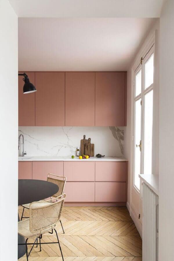 gabinete cor de rosa chá para decoração de cozinha planejada Foto PUFIK Interiors & Inspirations