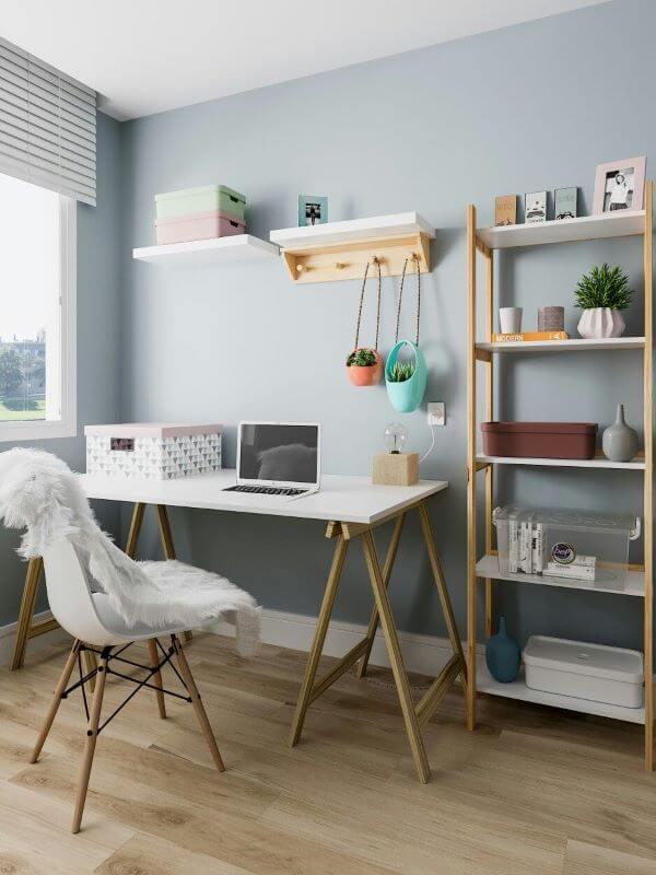 Decoração com conjunto de mesa e estante para escritório de madeira