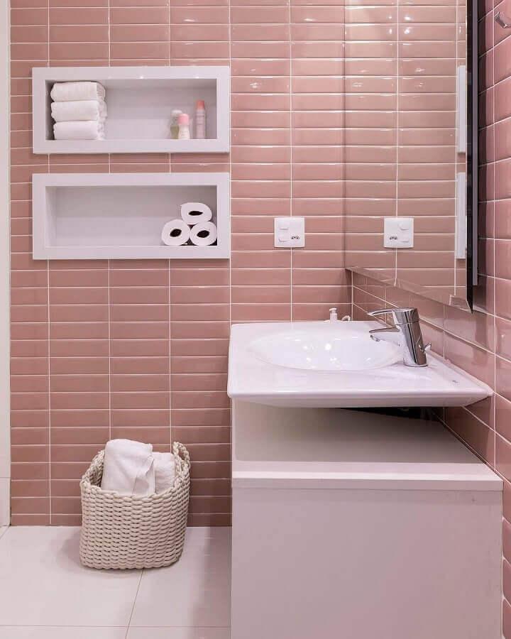 revestimento cor de rosa chá para decoração de banheiro Foto Studio Deux
