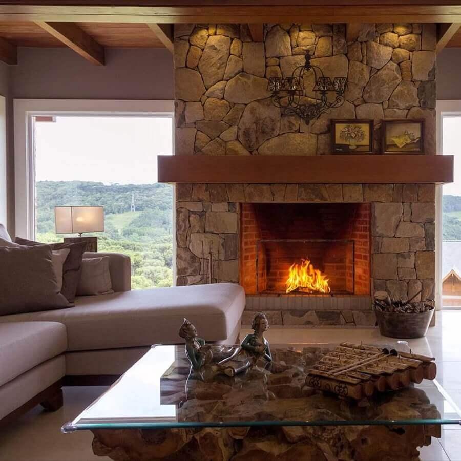 revestimento de pedra para decoração de sala com lareira rústica Foto Casa de Valentina