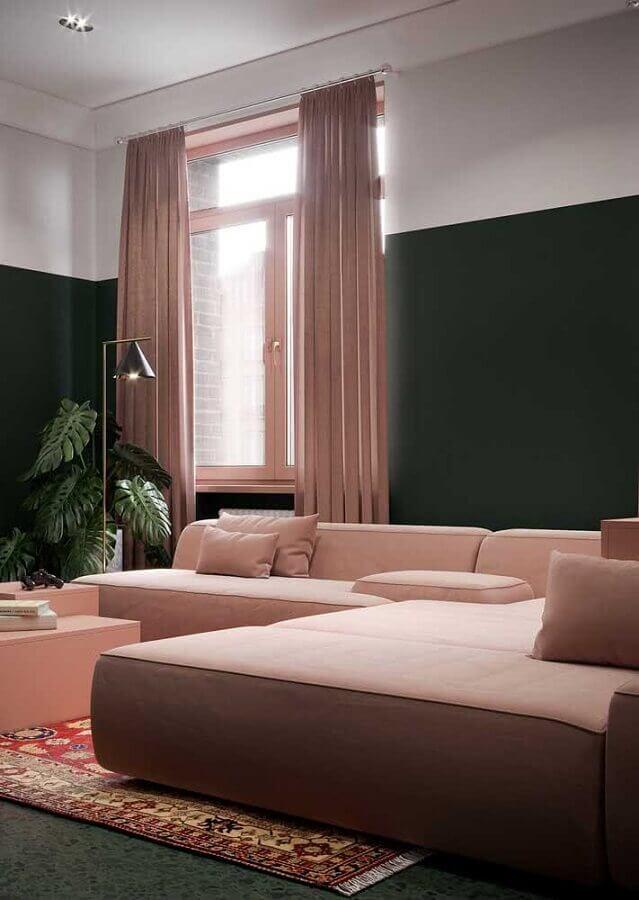 sofá rosa chá modular para decoração de sala com parede verde escura Foto Architecture Art Designs
