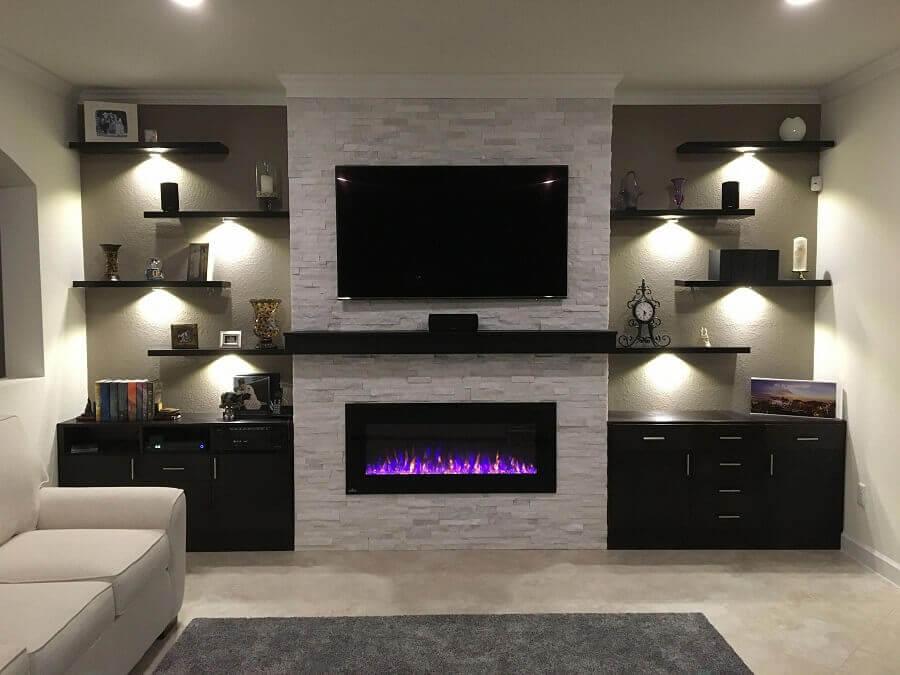 tons de cinza para decoração moderna de sala de estar com lareira elétrica Foto Fireplace Ideas