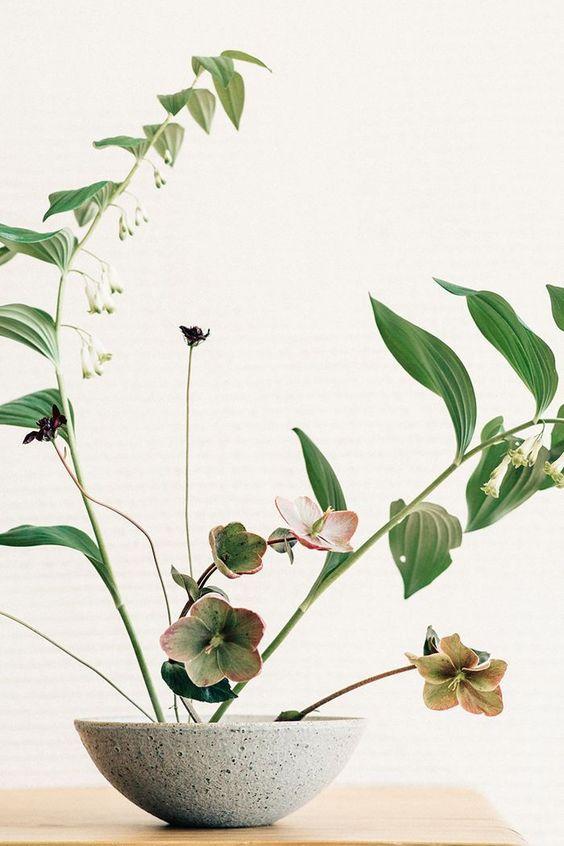 Vaso pequeno de ikebana