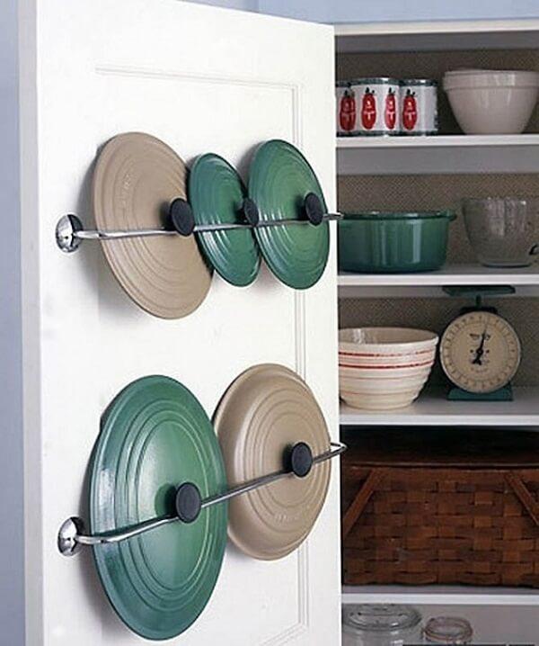 Aplique as técnicas de feng shui cozinha e mantenha o espaço organizado. Fonte: Architectureart Designs