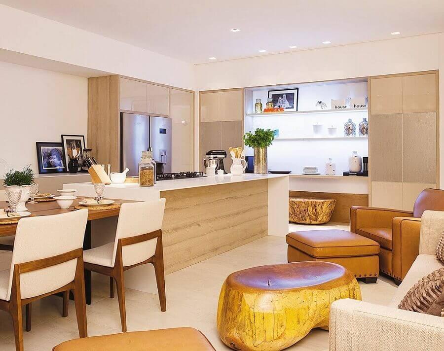 Armários planejados para decoração de cozinha aberta com salas integradas Foto Sônia Nasrala