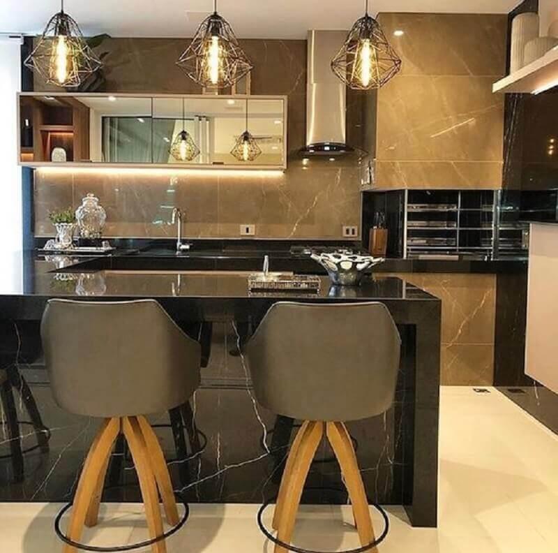 Banqueta estofada para decoração de apartamento com varanda gourmet e churrasqueira Foto Arkpad