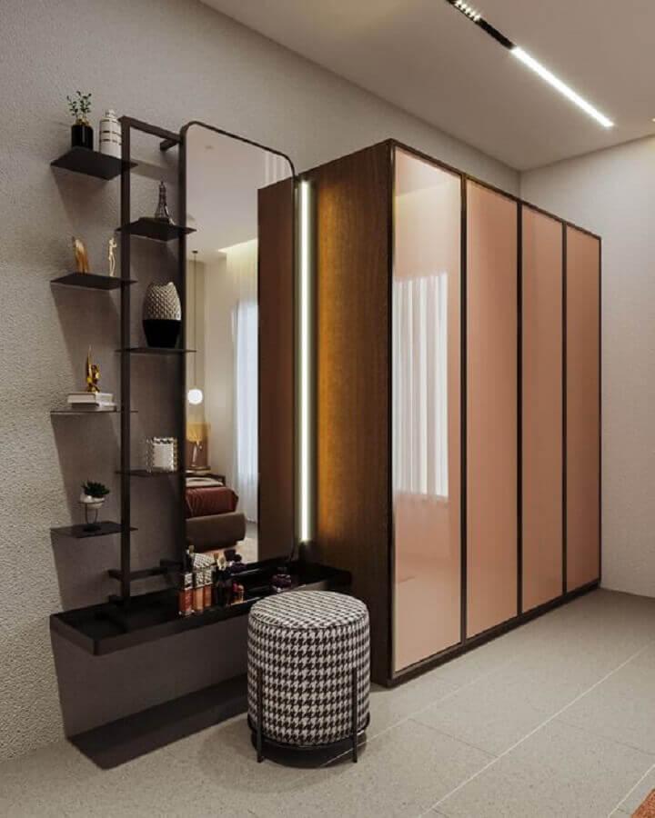 Banqueta puff para decoração de closet simples Foto Behance