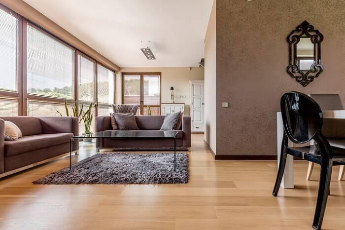 Carpete de madeira para sala de estar moderna com home office