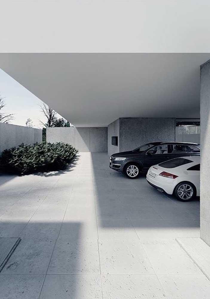 Cerâmica para garagem cinza com jardim de plantas