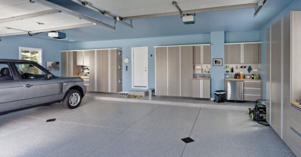 Cerâmica para garagem moderna em tons claros