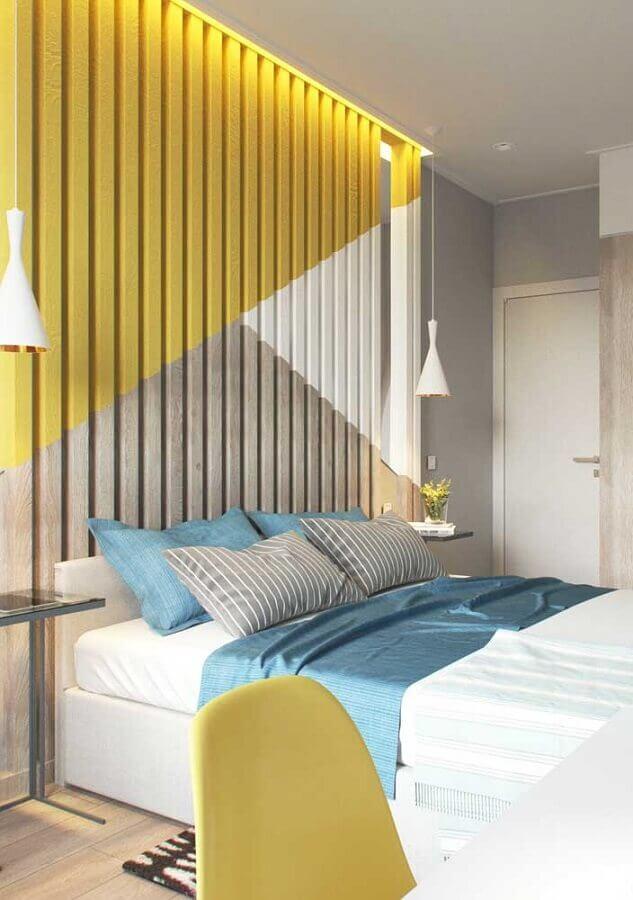 Como decorar um quarto de casal moderno com pintura geométrica para parede 3D Foto Futurist Architecture