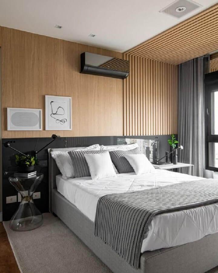 Como decorar um quarto de casal moderno com revestimento de madeira para parede e teto Foto Pinterest