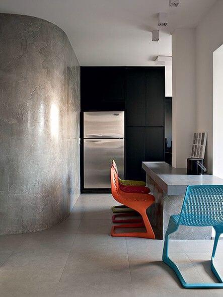 Cozinha com porcelanato cimento queimado