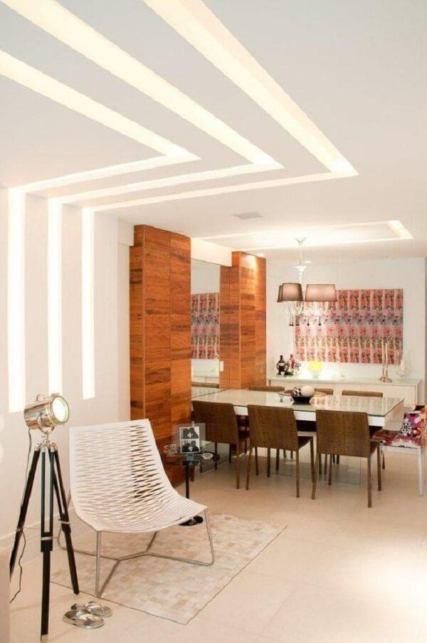 Decoração com gesso para iluminar a sala de jantar moderna