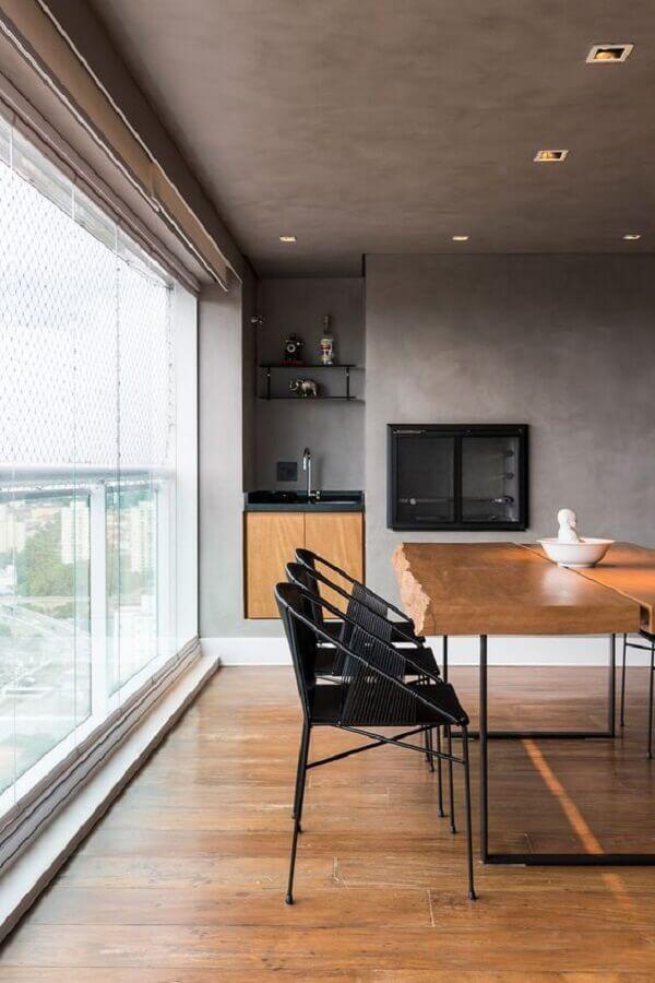 Decoração industrial para apartamento com varanda gourmet e churrasqueira Foto Casa de Valentina