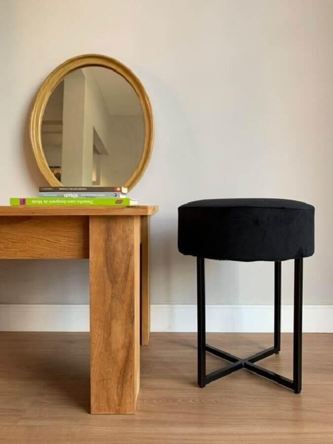 Decoração simples com puff banqueta redondo preta Foto Pinterest