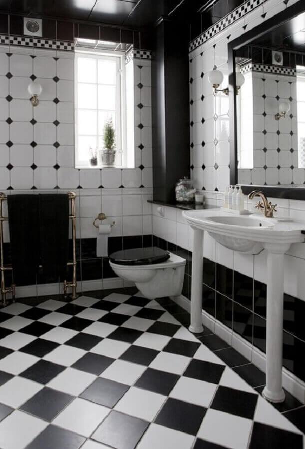 Decoração com piso xadrez para banheiro preto e branco Foto The Design Files