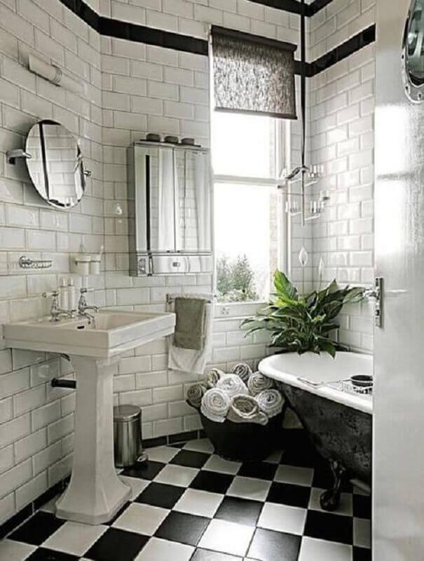 Decoração provençal com piso xadrez para banheiro preto e branco Foto domino magazine