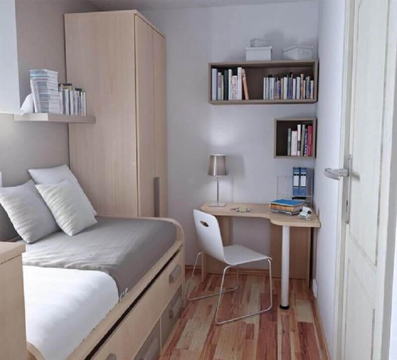 Decoração simples para quarto masculino pequeno com escrivaninha de canto Foto Essência Móveis de Design