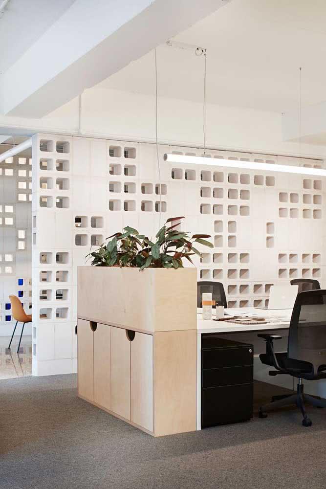 Divisórias para escritório com decoração de gesso 3D