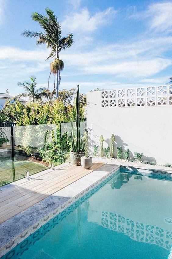 Escolha as melhores pedras para piscinas modernas
