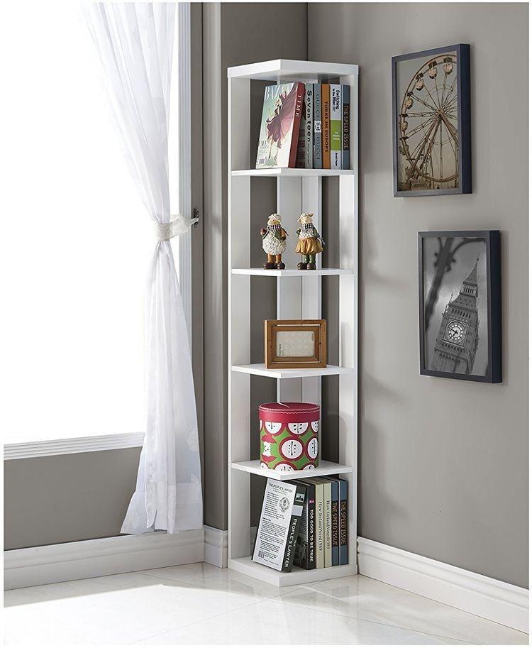 Estante de canto branco no quarto moderno