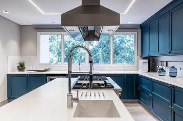 Feng shui cozinha: conserte qualquer tipo de vazamento na cozinha. Projeto de Marília Veiga Interiores