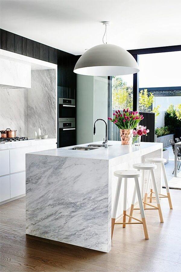 Feng shui cozinha: mantenha o ambiente bem ventilado e iluminado. Fonte: Anneli Bush