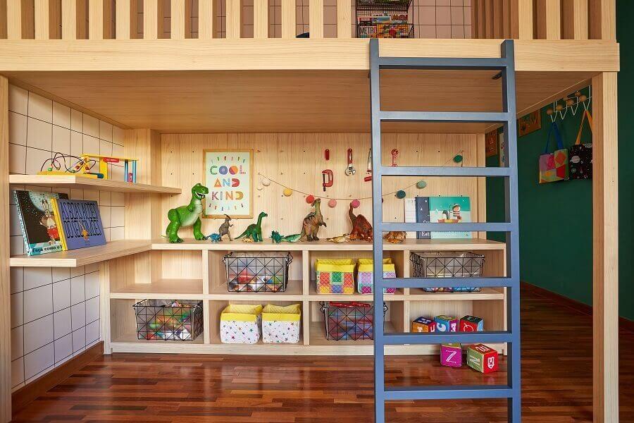 Móveis planejados para decoração de quarto infantil com caixas organizadoras Foto Renata D'Almeida para MOOUI