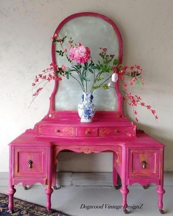 Móveis vintage cor de rosa