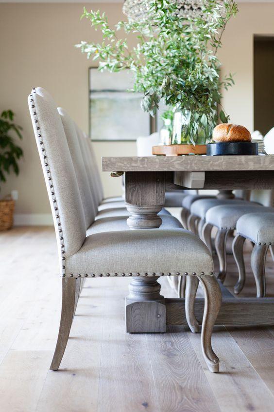 Móveis vintage de madeira para sala de jantar