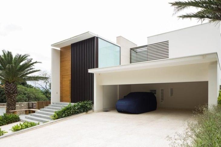 Modelos de garagem coberta com espaço para carros