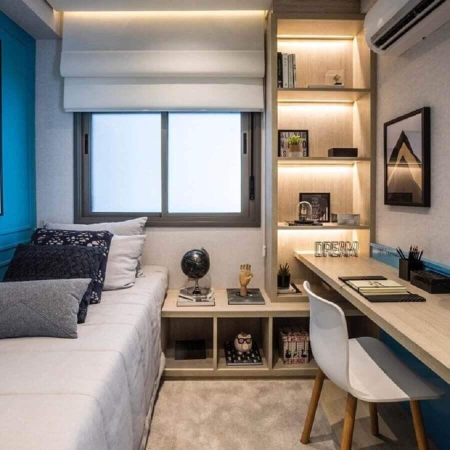 Móveis planejados para decoração de quarto masculino solteiro pequeno Foto Chris Silveira