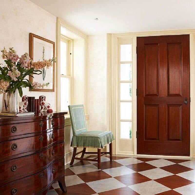 Piso xadrez marrom e bege para decoração de casa com estilo clássico Foto Better Homes and Gardens