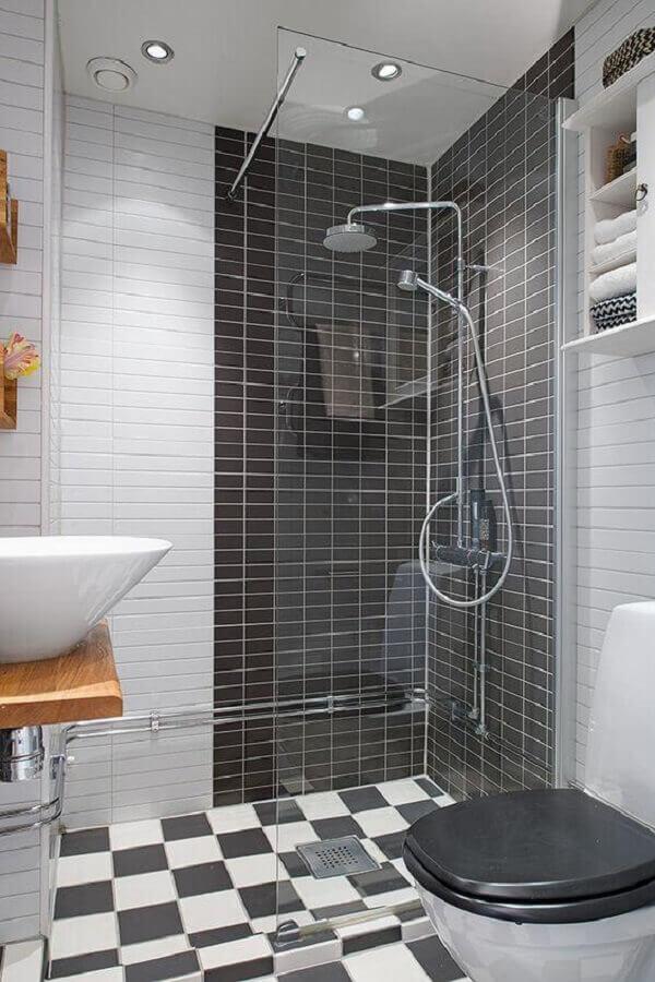 Piso xadrez para decoração de banheiro preto e branco Foto Decoist