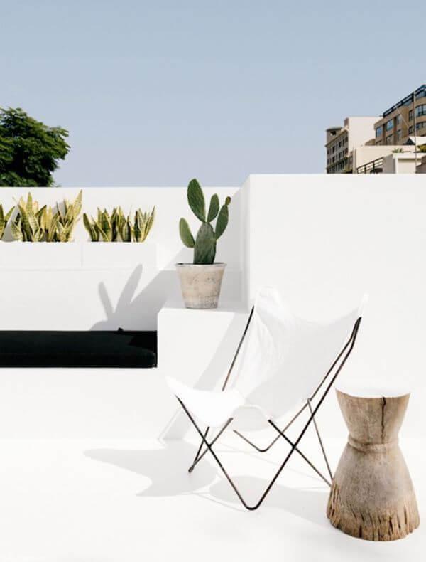 Poltrona branca borboleta para jardim moderno
