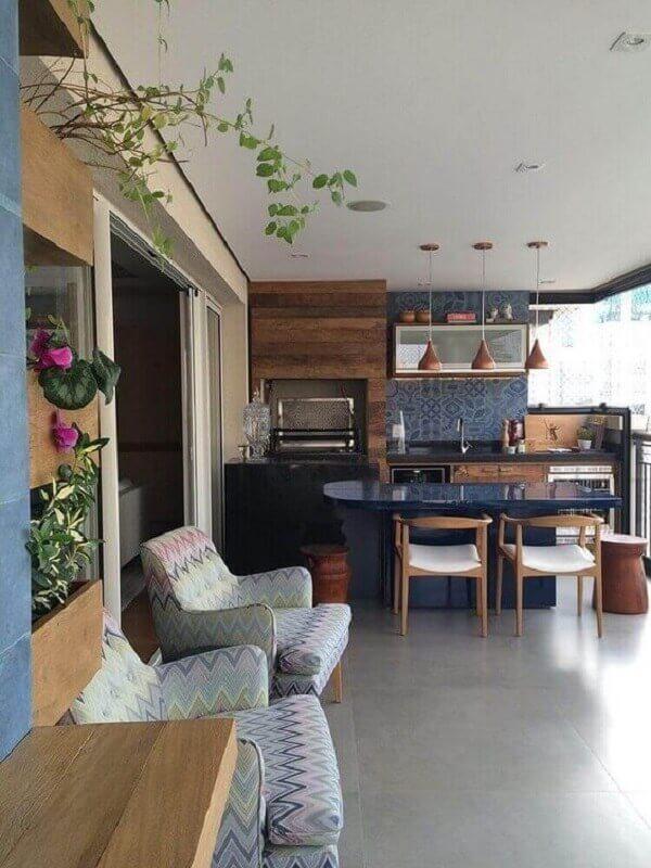 Poltrona estampada para decoração de apartamento com varanda gourmet Foto Pinterest
