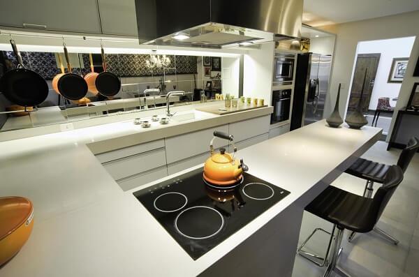 Procure utilizar todas as bocas do fogão. Projeto de Fabricio Roncca