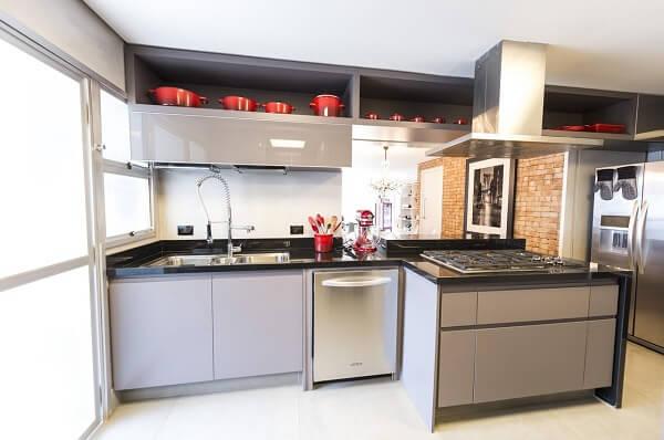 Projeto de cozinha feng shui. Projeto de Carla Cuono Arquitetura e Interiores