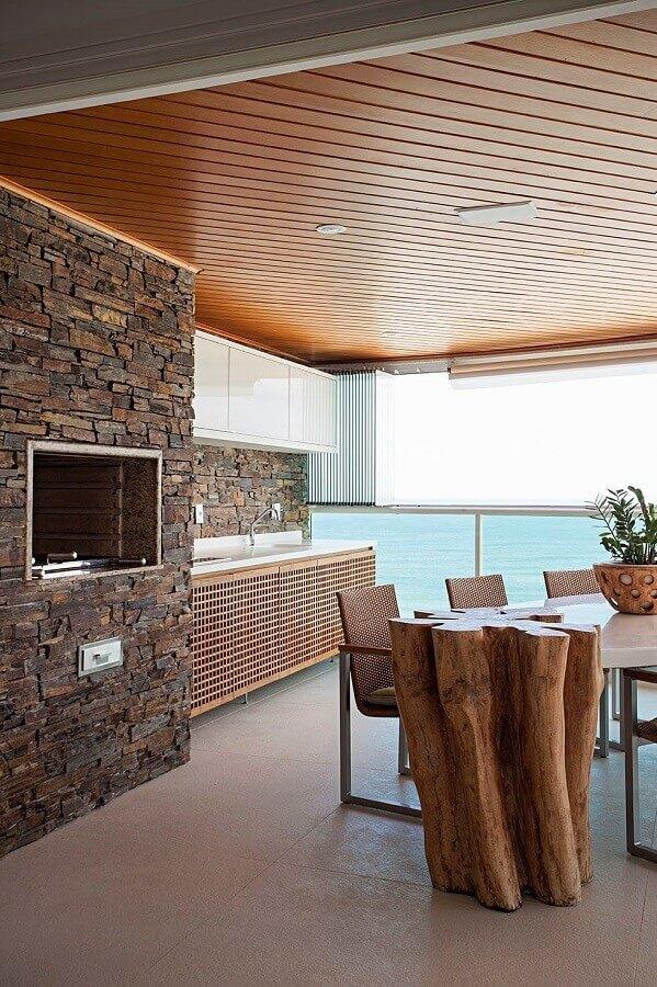 Revestimento de pedras para decoração de apartamento com varanda gourmet Foto Home Fashion Trend