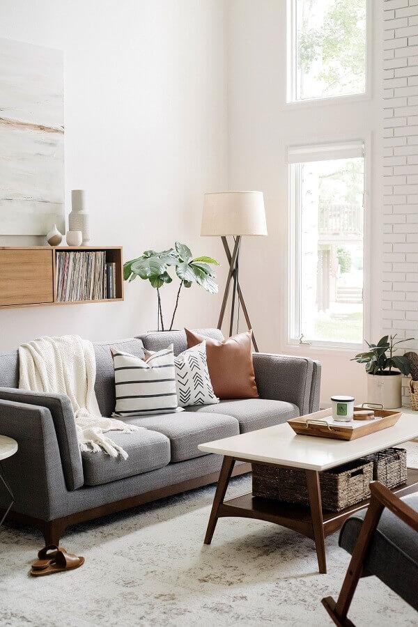 Tipos de sofá cinza para decoração de sala branca Foto Harmony House