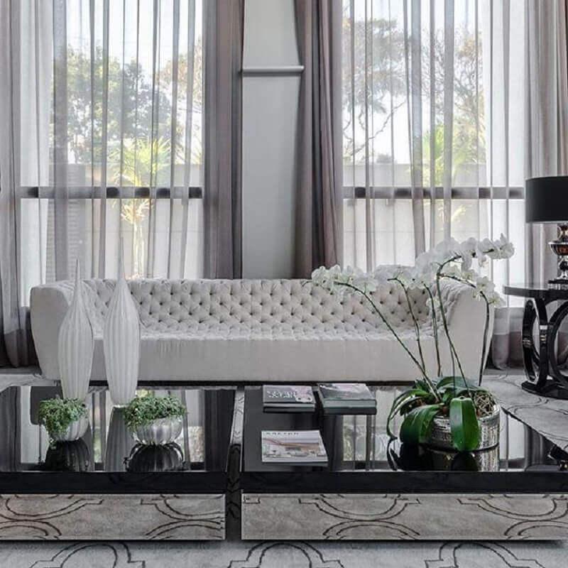 Tipos de sofas capitone para decoracao de sala de estar sofisticada Foto Ronaldo Rizzutti