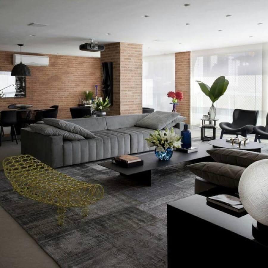 Tipos de sofas cinza para decoracao de sala de apartamento com varanda integrada Foto Marcelo Rosset
