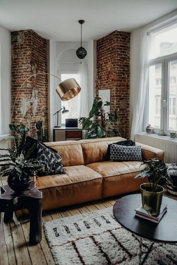 Tipos de sofas de couro para decoracao de sala com estilo rustico Foto The Lifestyle Files