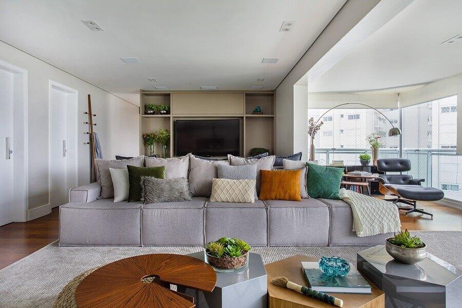 Tipos de sofas modernos para decoracao de sala de estar integrada com varanda Foto Tria Arquitetura